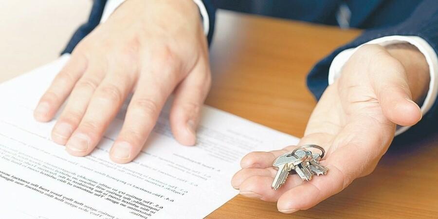 Смольный объявил конкурс на закупку квартир для очередников