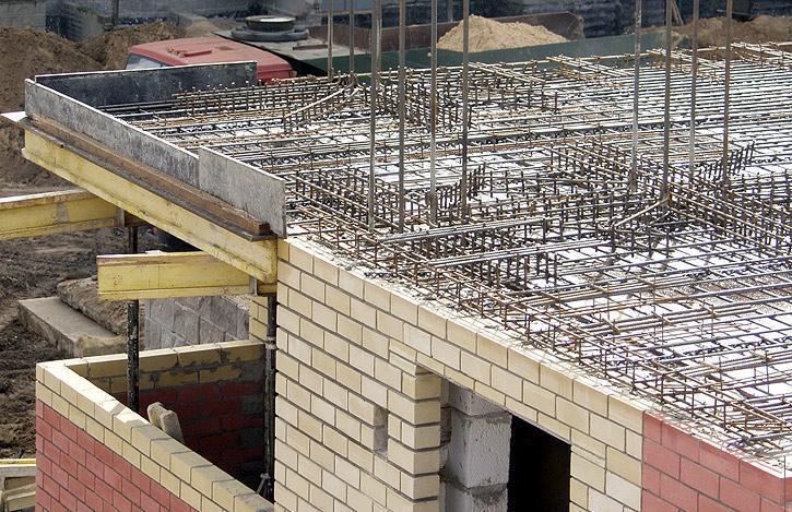 Доля монолитно-кирпичных жилых домов на российском рынке растет за счет снижения доли монолитных построек
