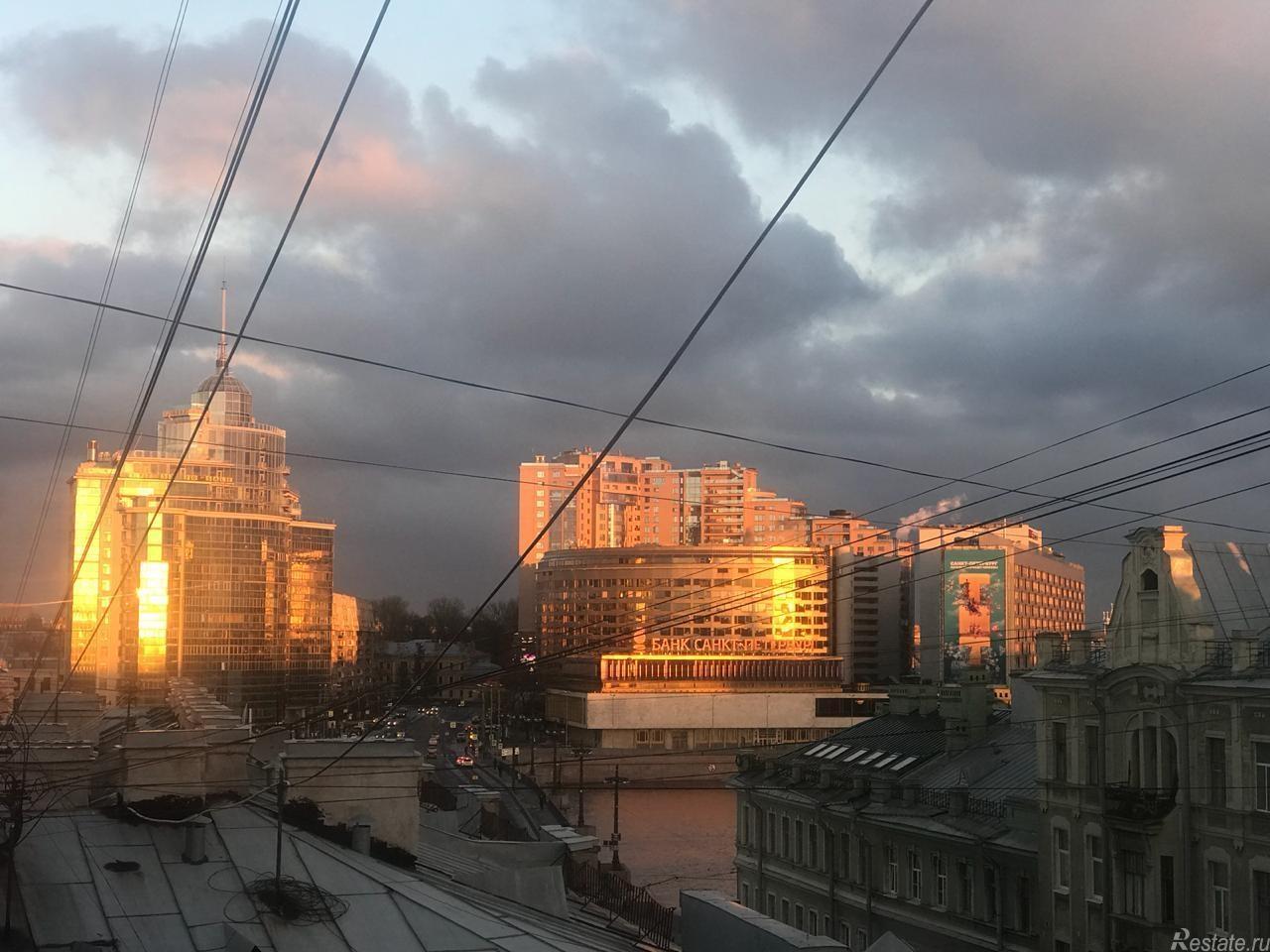 Продать Квартиры вторичка Санкт-Петербург,  Петроградский,  Горьковская, Куйбышева ул